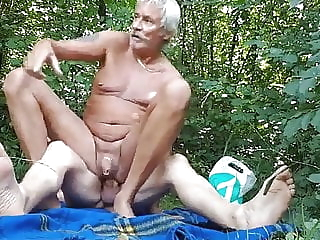 cruising (wonderful slutty grandpa) bareback (gay) big cock (gay) blowjob (gay)