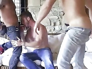 Loaded With Seed In The Gym twink (gay) bareback (gay) big cock (gay)