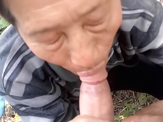 Chinese daddy sucks dry his friend in the countryside cumshot daddy amateur